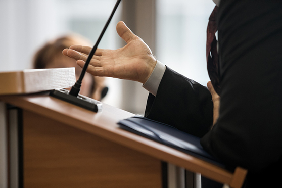 Juries want an expert witness who can demonstrate credibility, likability, communicate clearly, provide physical examples, and stay calm under pressure.
